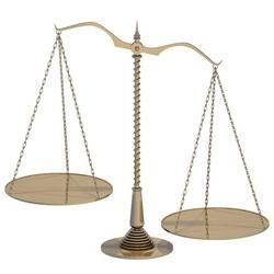不平衡的黃銅天秤